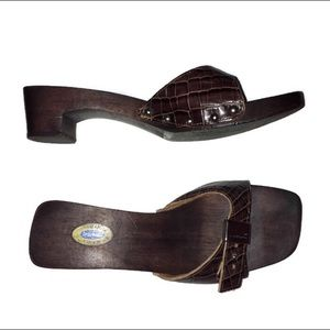 Dr. Scholl's The Original Wooden Alligator Sandals